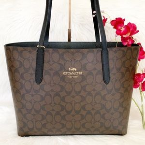 Coach Signature Avenue Tote